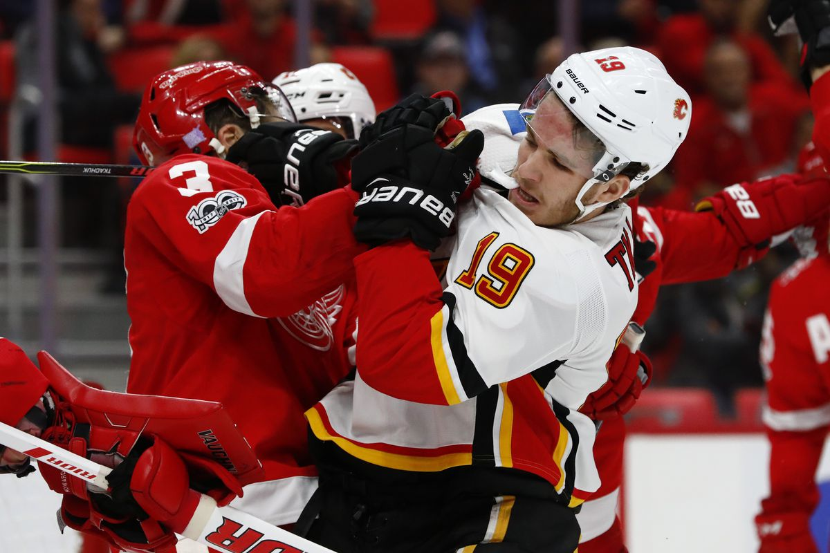 Red Wings, Flames break out into line brawl on Wednesday