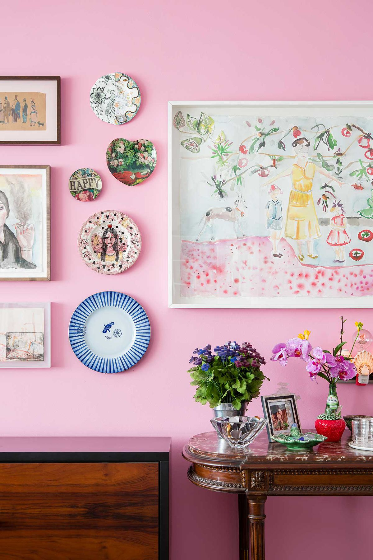 Cheerful São Paulo apartment doesn\'t shy away from colors, patterns ...