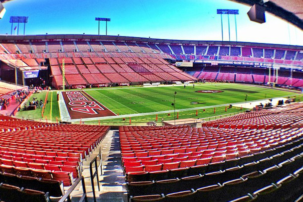 49ers vs. Packers: End zones painted red for 2013 NFL ...