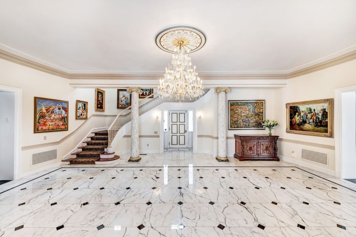 A Waterfront Westhampton Home Relists With A 1m Price