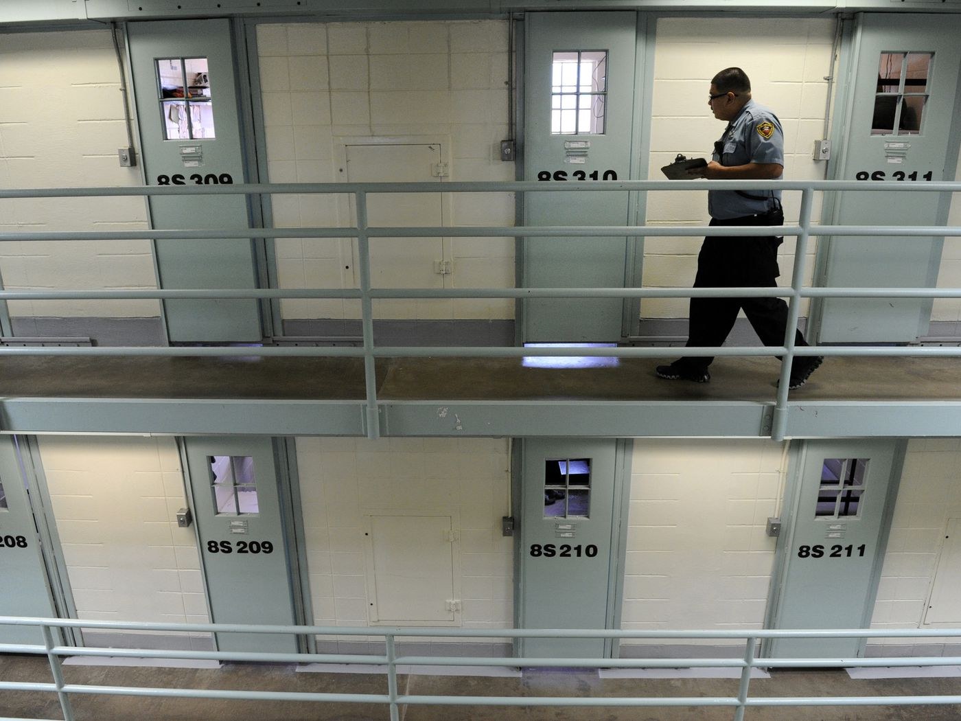 Prisons are terrible, and there's finally a way to get rid of them - Vox