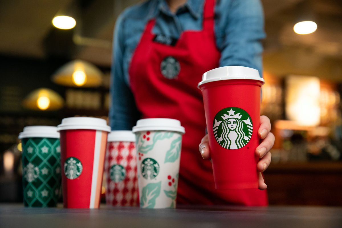 Christmas Starbucks Drinks.Are Starbucks New Holiday Cups Christmas Y Enough For You