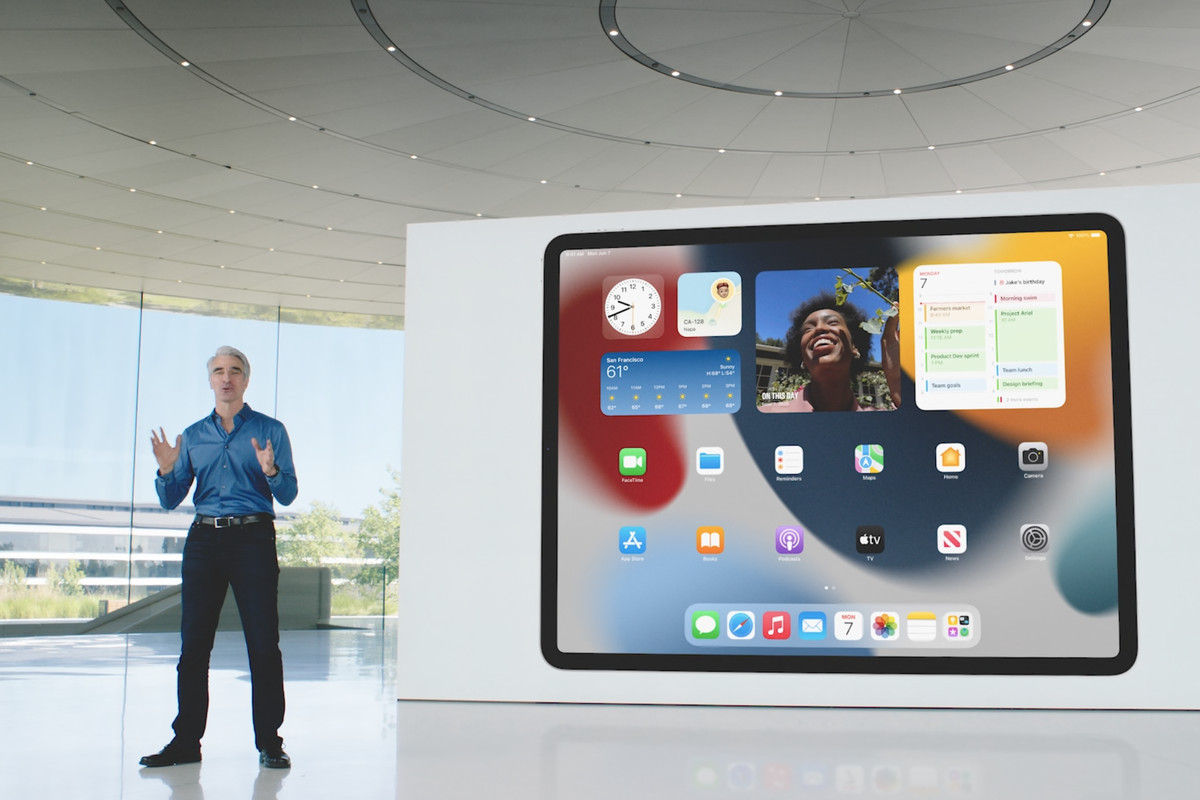 Apple announces iPadOS 15 with homescreen and multitasking improvements -  The Verge