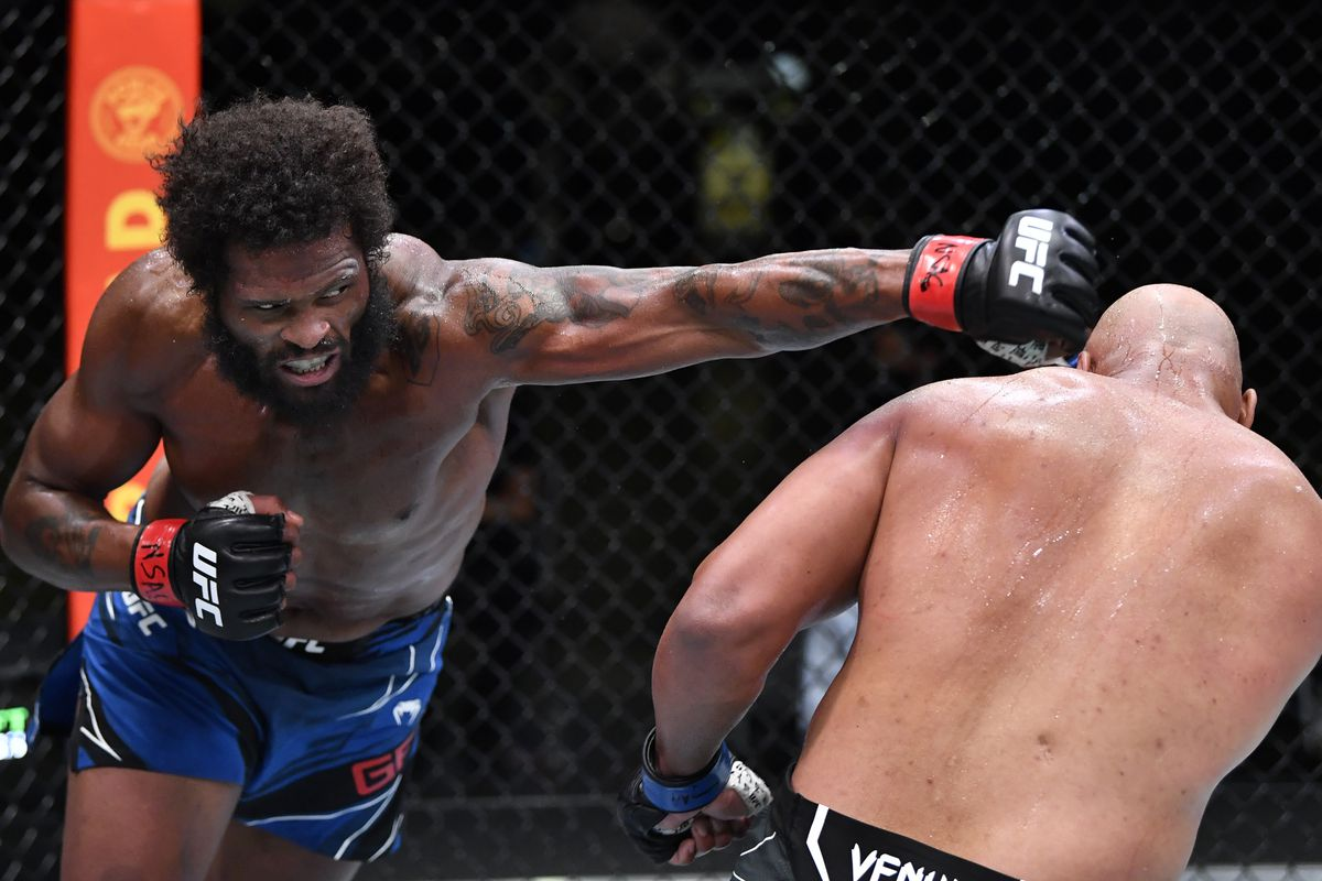Maurice Greene during his fight against Marcos Rogerio de Lima at UFC Vegas 26.