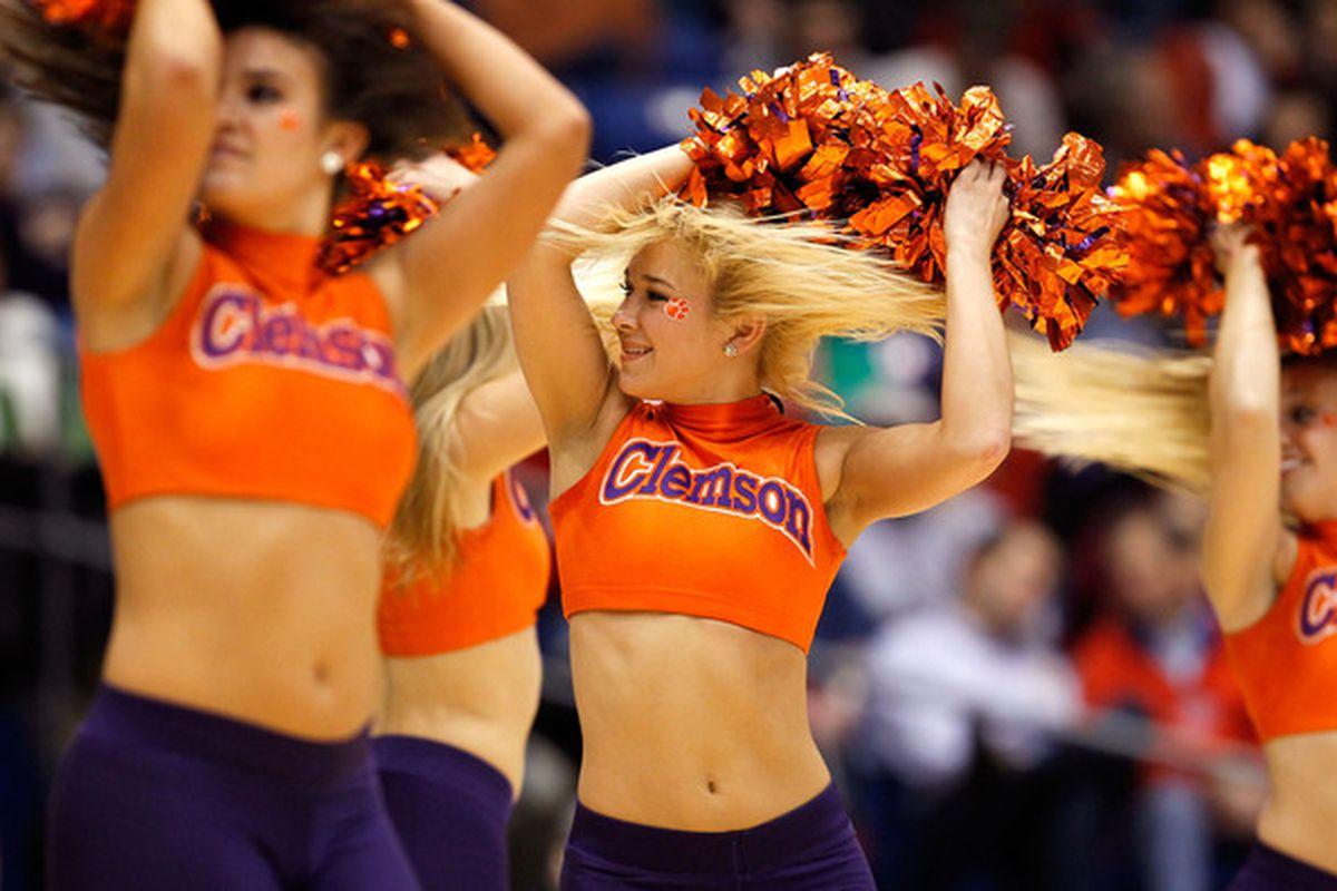 MMMMM Cheerleaders