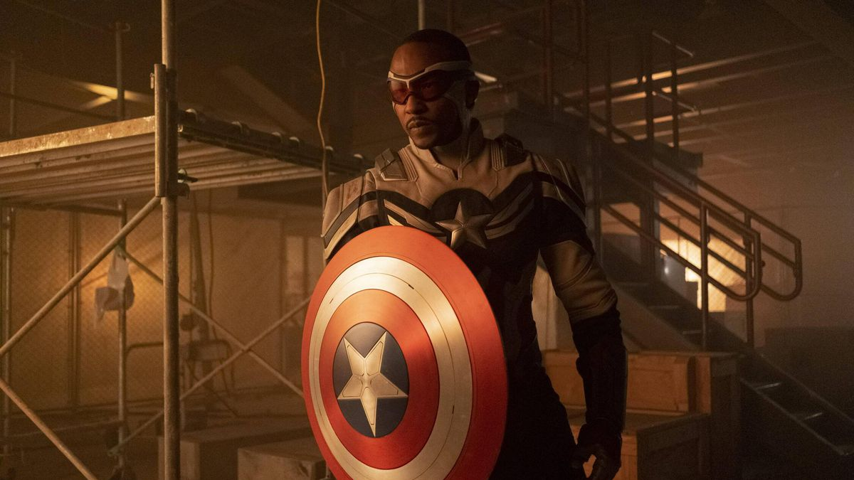 Anthony Mackie in the new Captain America suit in Falcon and the Winter Soldier