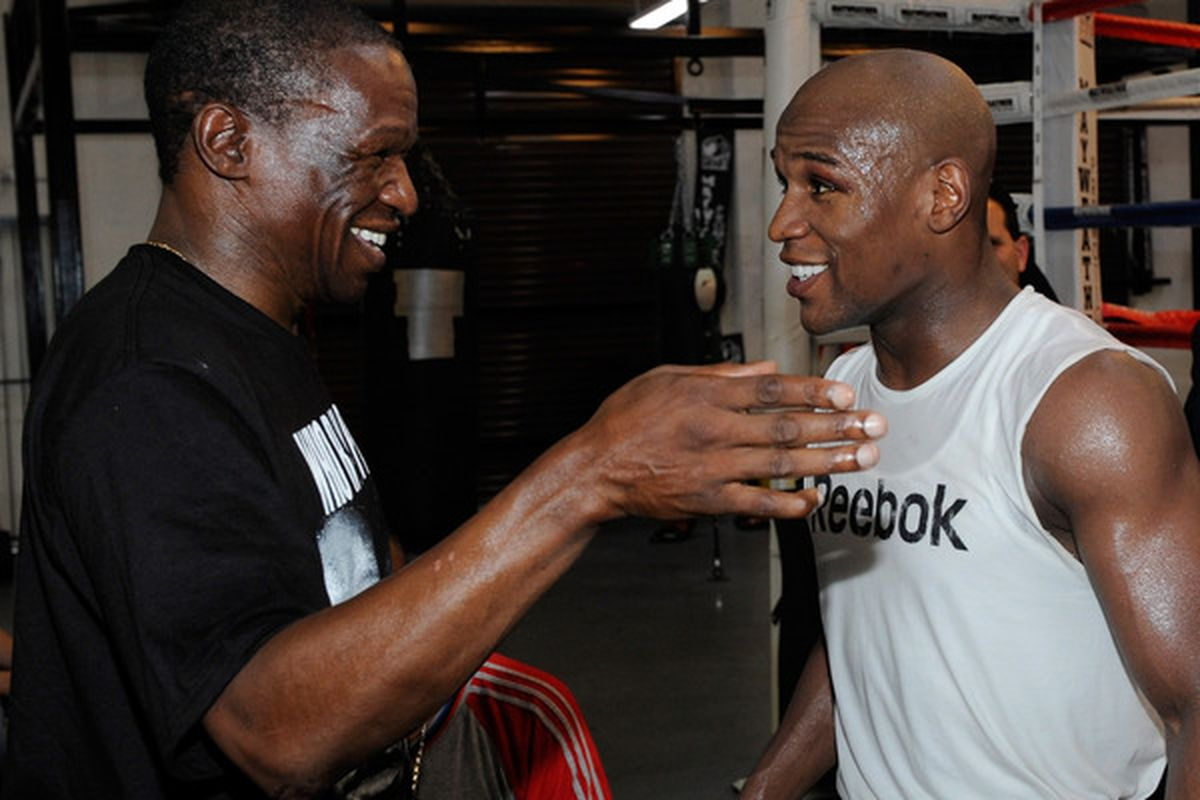 Just last year, Floyd Mayweather Sr and his world-famous son were all smiles on camera. (Photo by Ethan Miller/Getty Images)