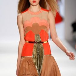 NEW YORK, NY - FEBRUARY 12: Lindsey Wixson walks the runway at the Jill Stuart Fall 2011 fashion show during Mercedes-Benz Fashion Week at The Stage at Lincoln Center on February 12, 2011 in New York City. (Photo by Peter Michael Dills/Getty Images for IM