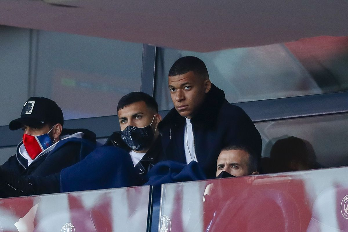 Paris Saint-Germain v RC Lens - Ligue 1 Uber Eats