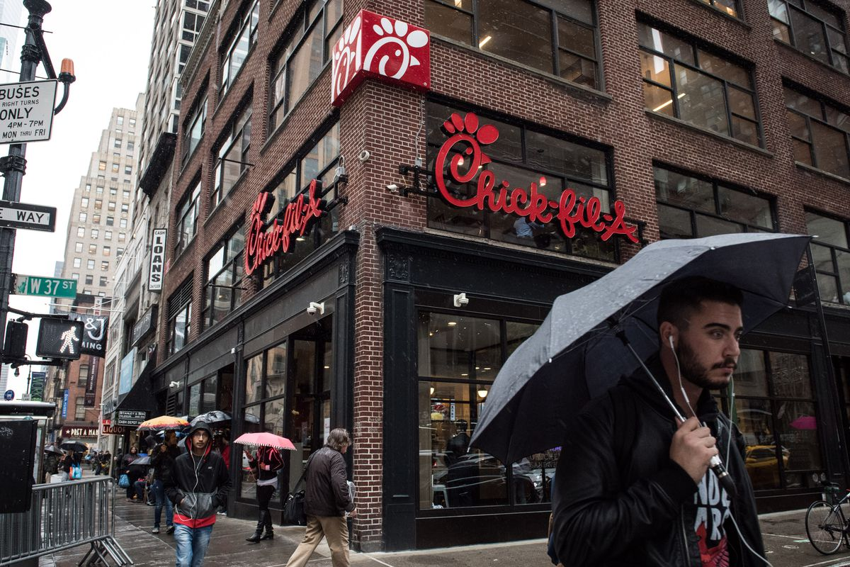 Chick Fil A Is Crushing Fast Food Sales Thanks To Its Service Eater