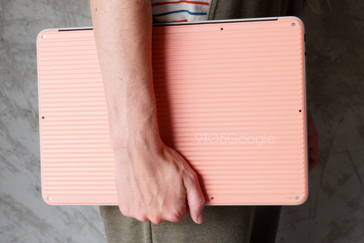 Google's Pixelbook Go laptop leaks in extensive photos 1