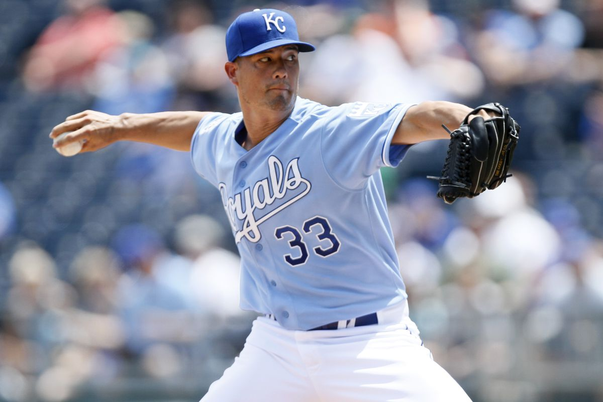 KANSAS CITY, MO - JULY 22: Jeremy Guthrie #33 of the Kansas City Royals pitches during a game against the Minnesota Twins in the first inning at Kauffman Stadium on July 22, 2012 in Kansas City, Missouri. (Photo by Ed Zurga/Getty Images)