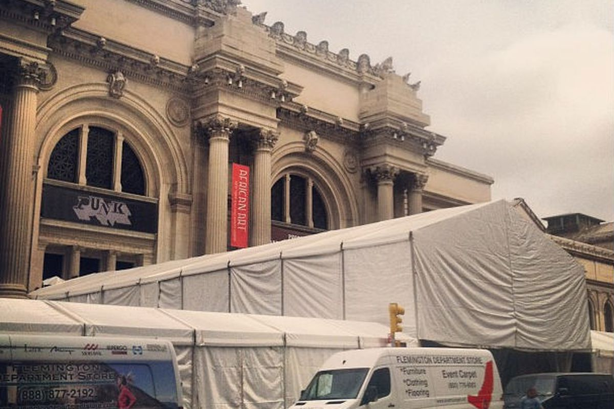 """Making progress! The tent is up outside the Metropolitan Museum of Art, via <a href=""""http://instagram.com/p/Y-O9hqmcmI/"""">@MetMuseum/Instagram</a>"""