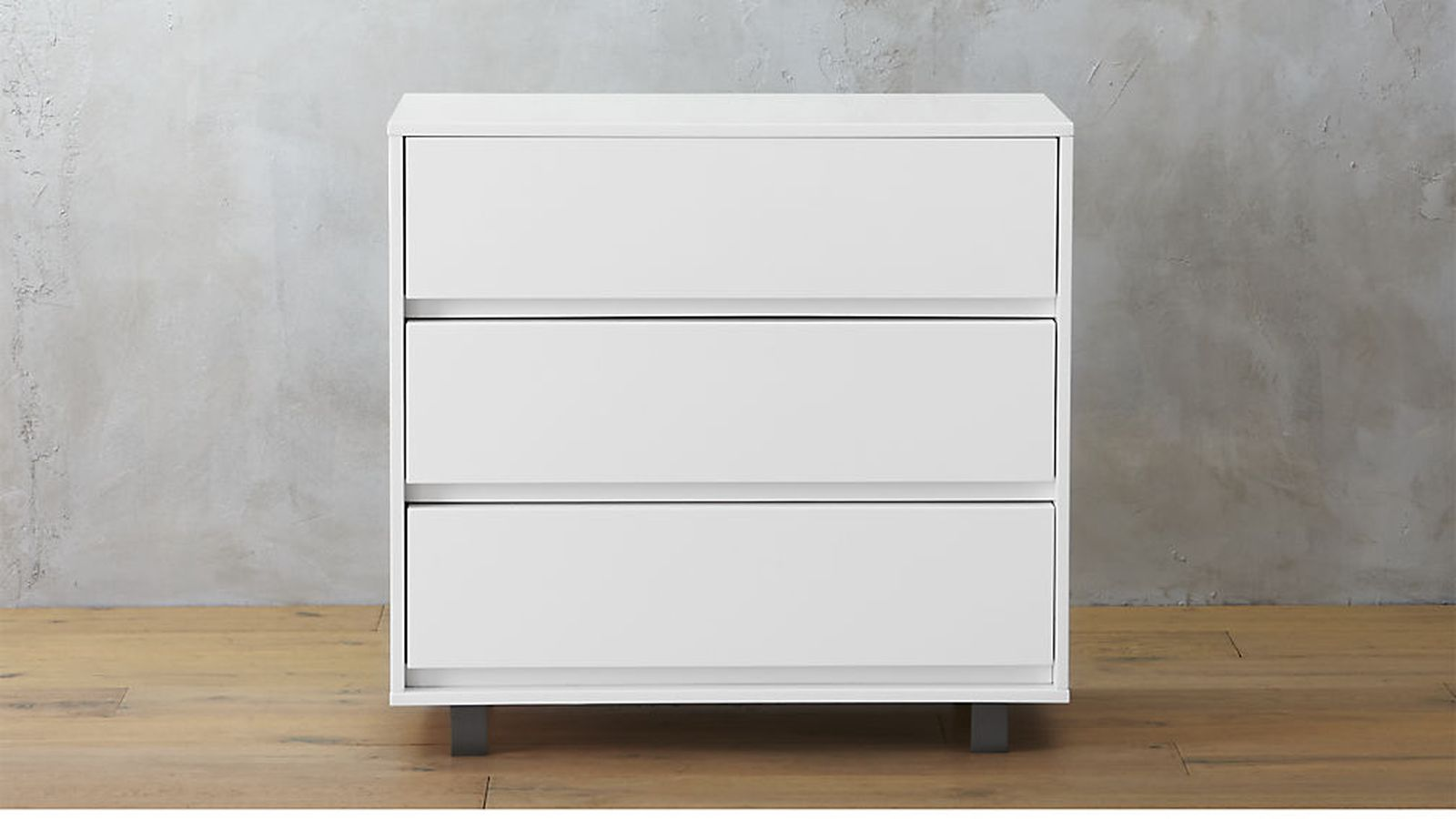Ikea malm dresser alternatives 7 fab styles to shop now for Armoire malm