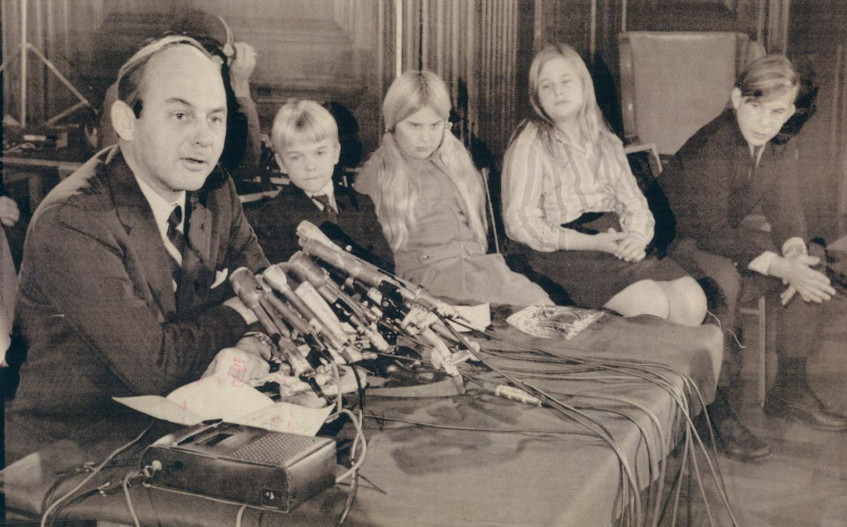 Sen. Adlai E. Stevenson III, newly elected Illinois Democrat, with his four children, from left, Warwick, 8; Katie, 10; Lucy, 12; and Adlai IV, 14; at his side as he holds a news conference in Washington in 1970.