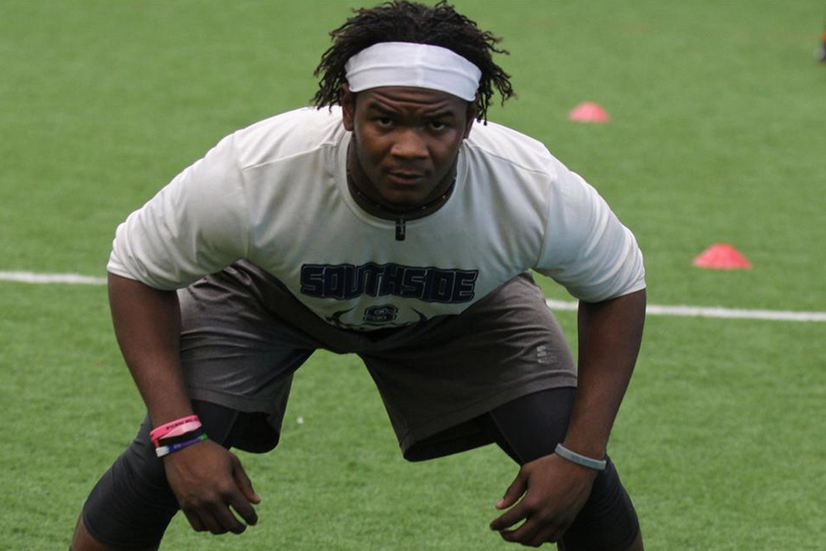Linebacker Clifton Garrett is the top-rated player from Illinois in the 2014 class