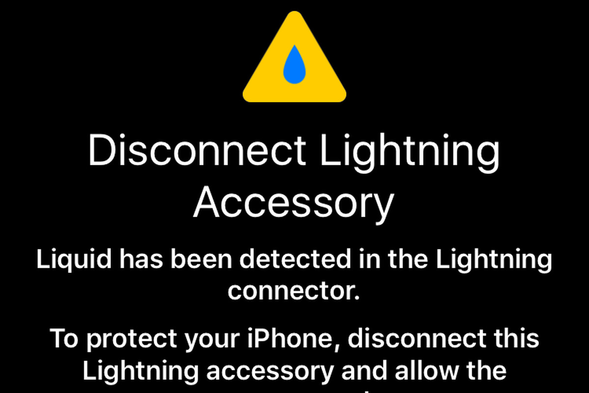 reputable site f58b2 69348 iOS 10 might warn you when there's water in your Lightning port ...