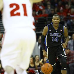 Rasheed Sulaimon pushes the ball up the floor in the 2nd half