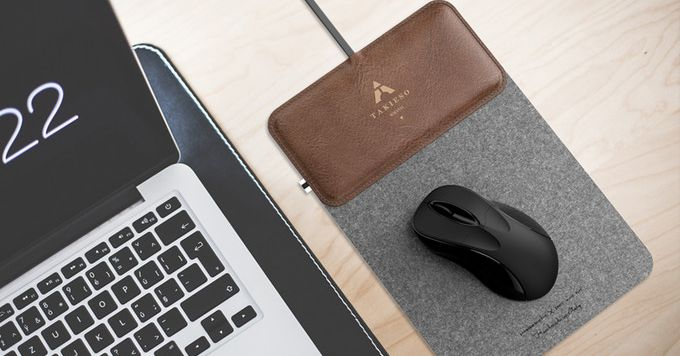 This Fancy Wool Fiber Mouse Pad Doubles as a Wireless Charger for your Phone
