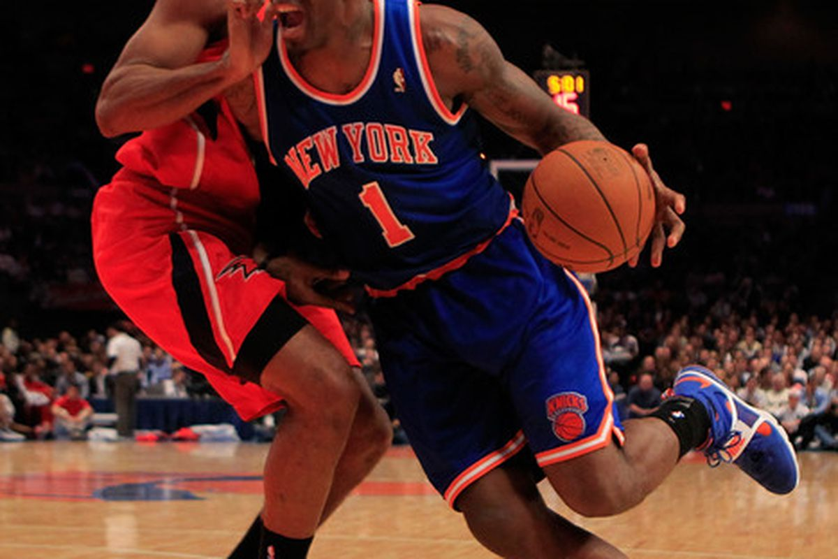 Amar'e Stoudemire scored a game-high 26 points to lead the Knicks over the Hawks.