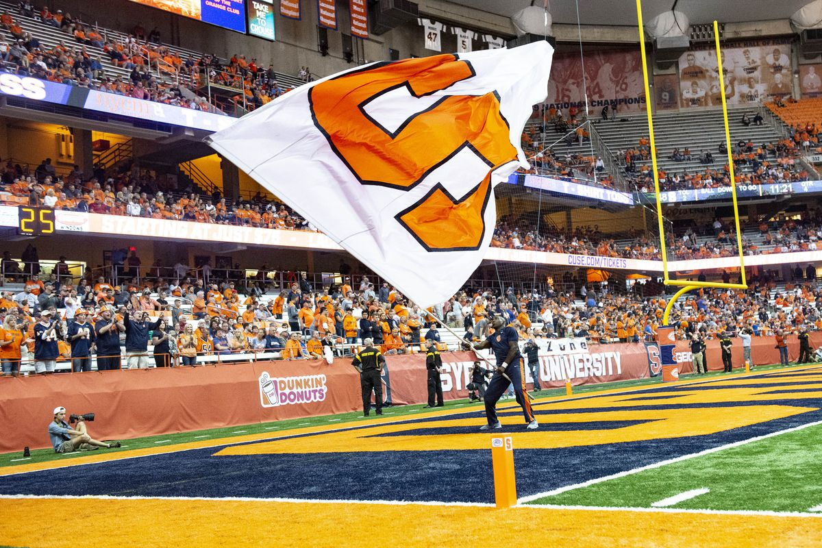 COLLEGE FOOTBALL: SEP 22 UConn at Syracuse