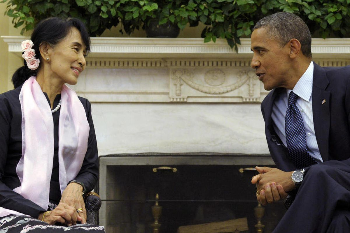 President Barack Obama meets with Myanmar democracy leader Aung San Suu Kyi in the Oval Office of the White House, Wednesday, Sept. 19, 2012, in Washington.