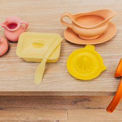 Jane Simpson Silicone Objects, $500