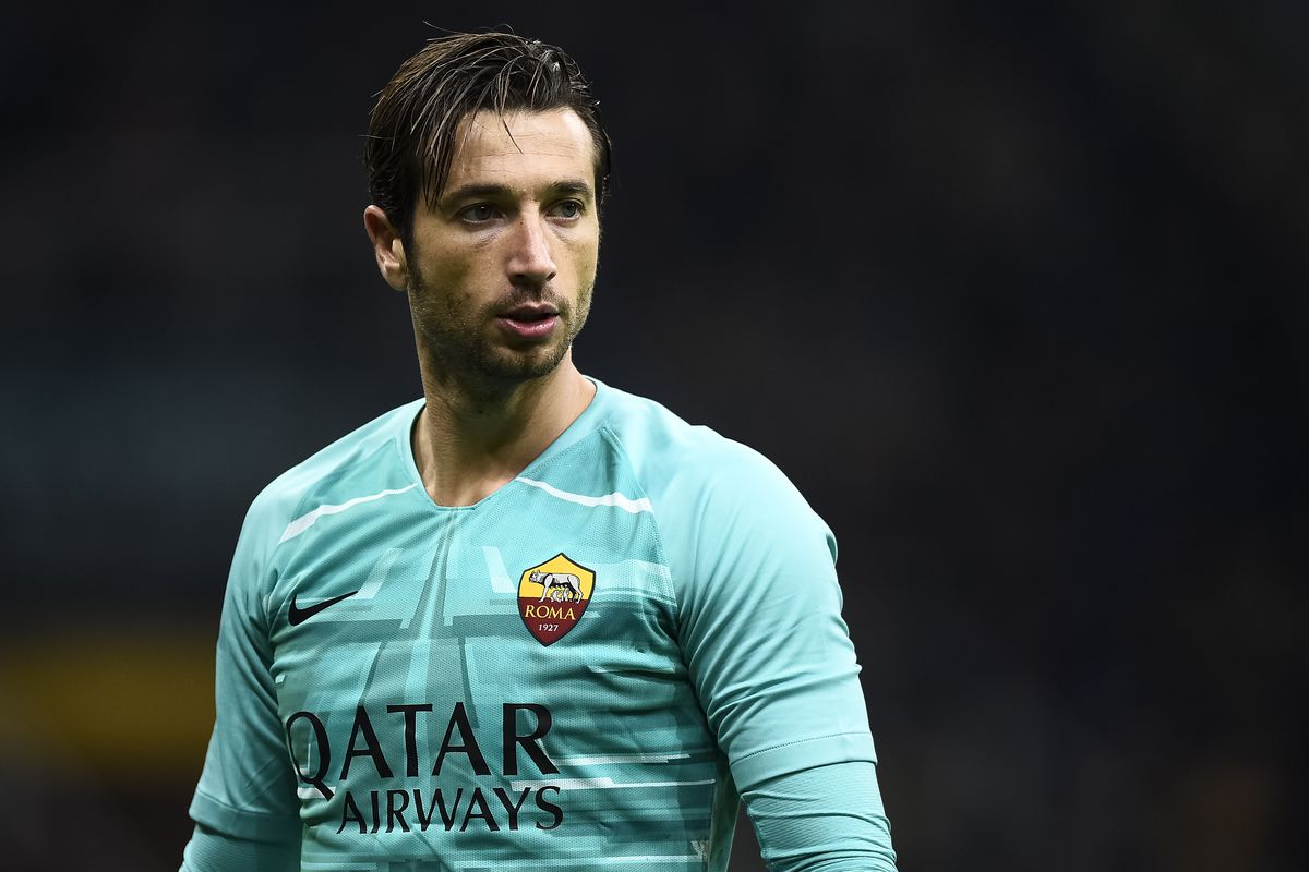 Antonio Mirante of AS Roma looks on during the Serie A...