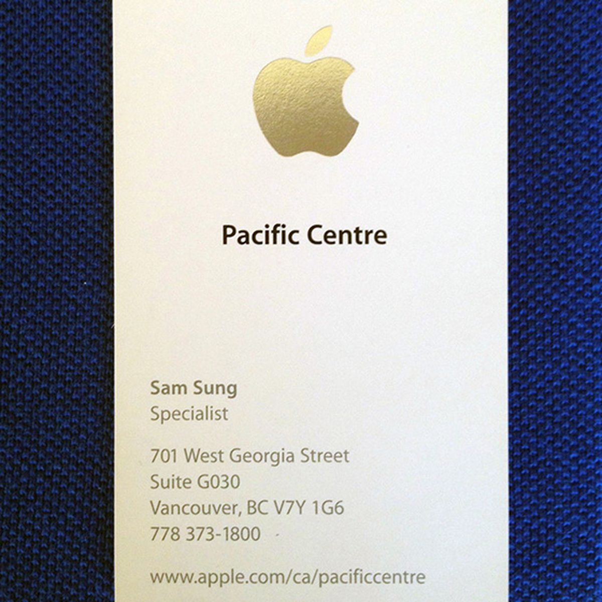 Apple Specialist Sam Sung is selling his last business card for ...
