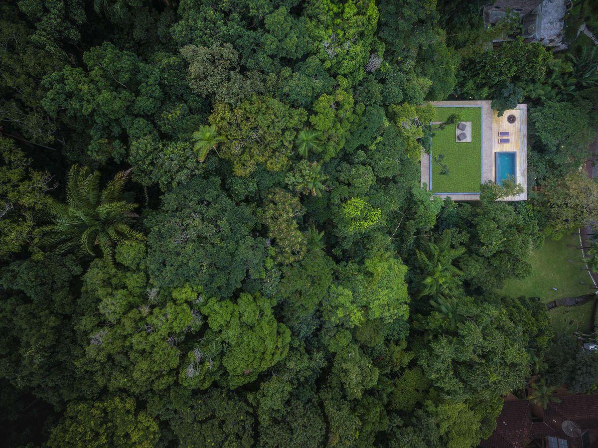 Stunning Modern House In Brazil S Rain Forest Has Cozy