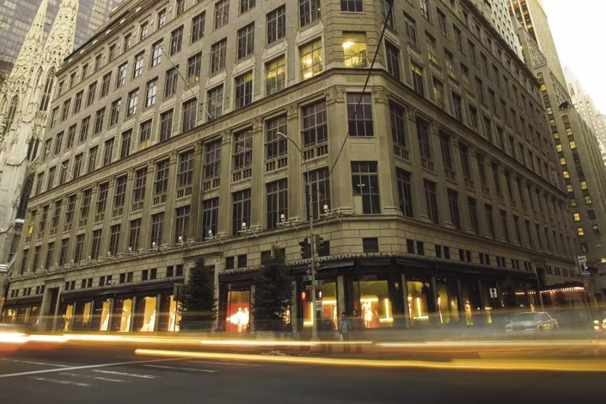 L Avenue Opens A Luxe New Nyc Location In Saks Fifth