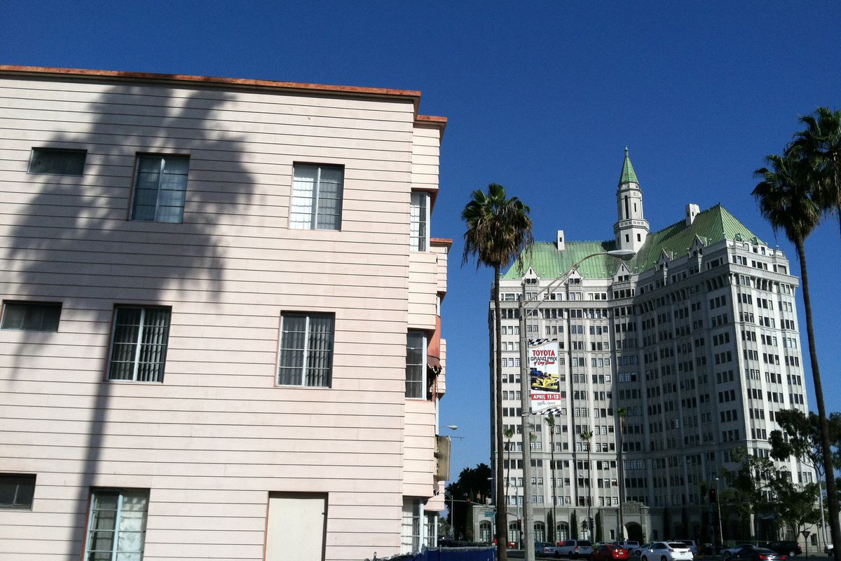 View of apartments in Long Beach