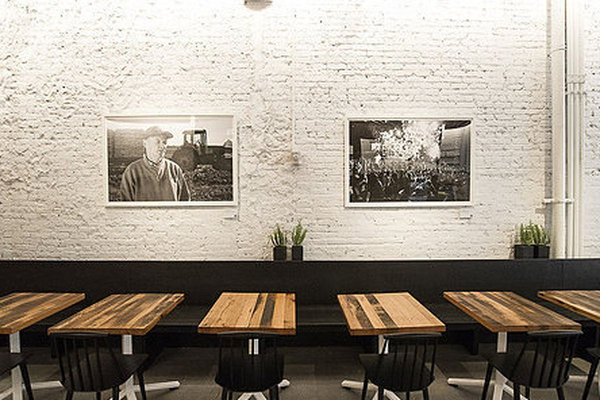 """<a href=""""http://ny.eater.com/archives/2013/07/sweetgreen_opening_alert.php"""">Sweetgreen, NYC</a>"""