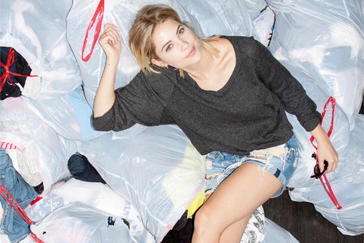 "Image <a href=""http://blog.shop-hers.com/2014/11/closet-cleanout-ashley-benson/#more-265"">via</a>"