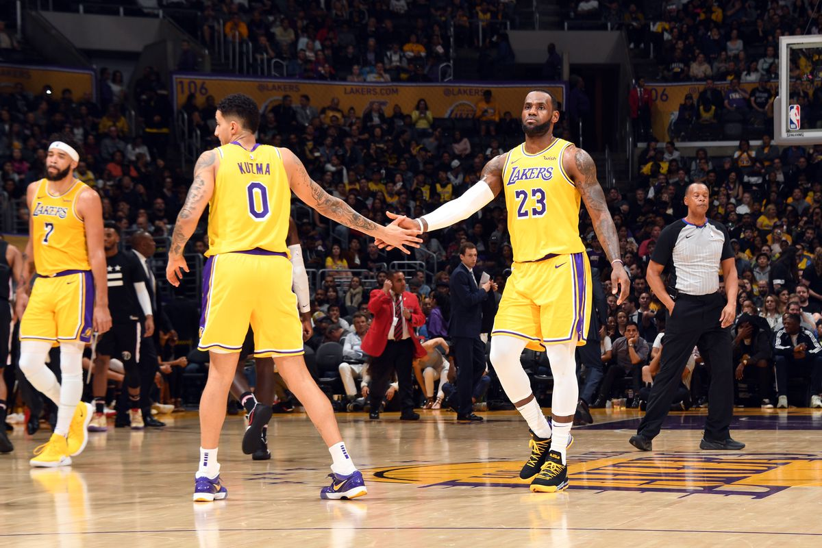 newest collection dcbd4 8571a Lakers News: Kyle Kuzma says LeBron James is 'super ...