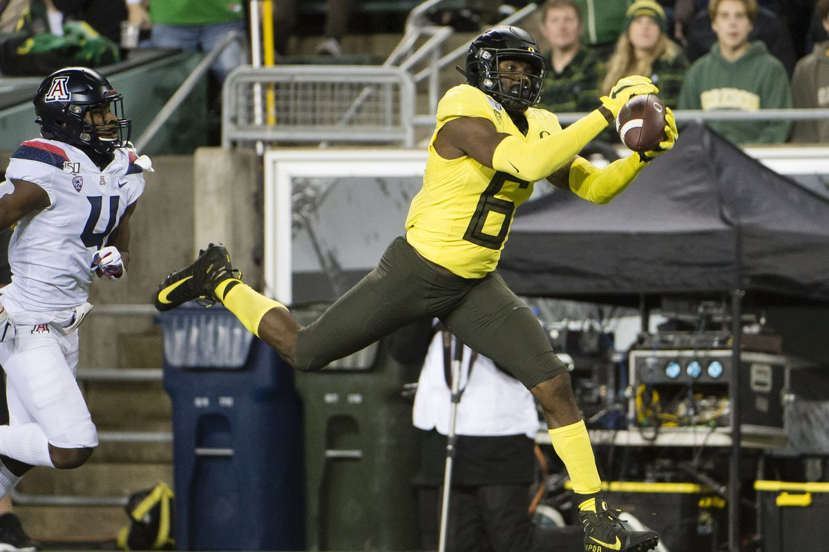 Oregon Remains in Top Ten of College Football Playoff Rankings