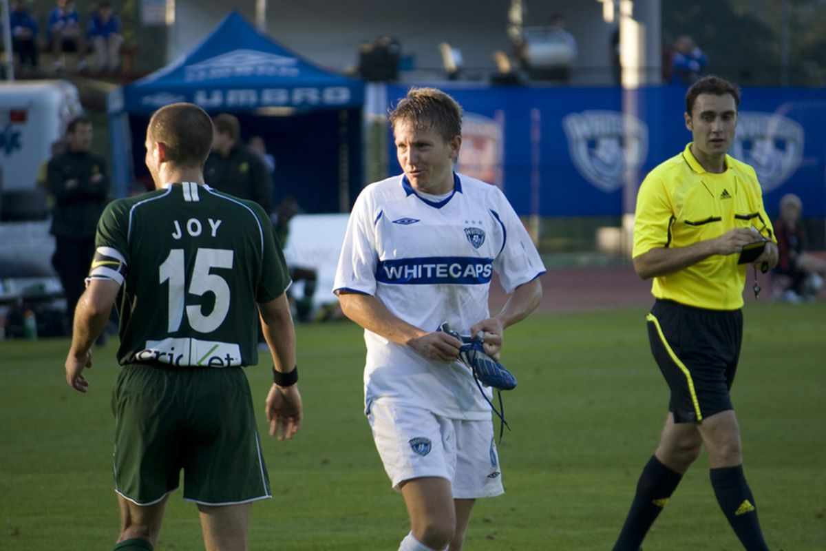 After scoring a goal yesterday, should Terry Dunfield be on Vancouver's MLS roster in 2011? I'd say... he's a shoe-in. (Benjamin Massey/Eighty Six Forever)