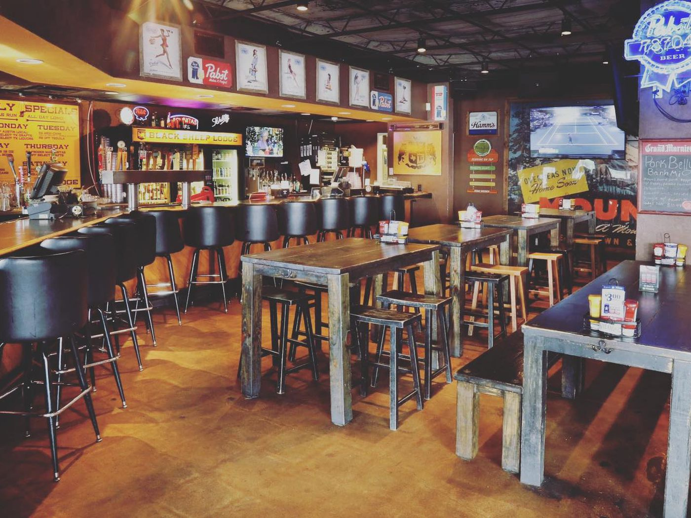 More Austin Bars Close Briefly Because Of Staffers With Covid 19 Eater Austin