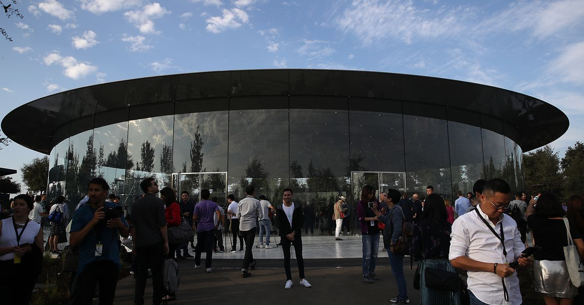 Apple plans to build a new US campus and hire 20,000 workers