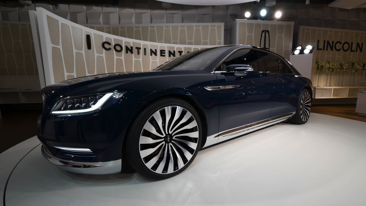 Giant Luxury Up Close With The Lincoln Continental Concept The Verge