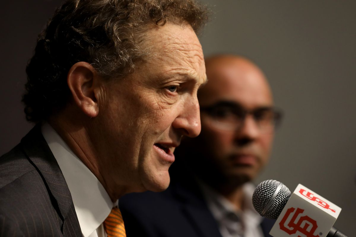 San Francisco, CA - NOVEMBER 07: San Francisco Giants CEO Larry Baer (left) introduces Farhan Zaidi as the team's new president of baseball operations during a news conference, Wednesday, November 7, 2018, at AT&T Park in San Francisco, California. (Karl