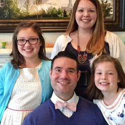 Vance Taylor poses with his wife Casey, upper right, and their daughters Isabelle, left, and Sammy.