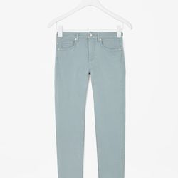 """Skinny fit jeans, <a href=""""http://www.cosstores.com/us/Women/Sale/Skinny-fit_jeans/16265326-16807724.1#c-15133331"""">$49</a>"""
