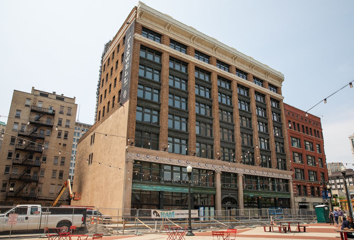 The Farwell Building is shown under construction on a sunny day.