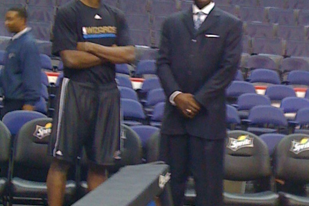 Yup, that's Dominique Wilkins chatting it up with Al Thornton before tonight's game.