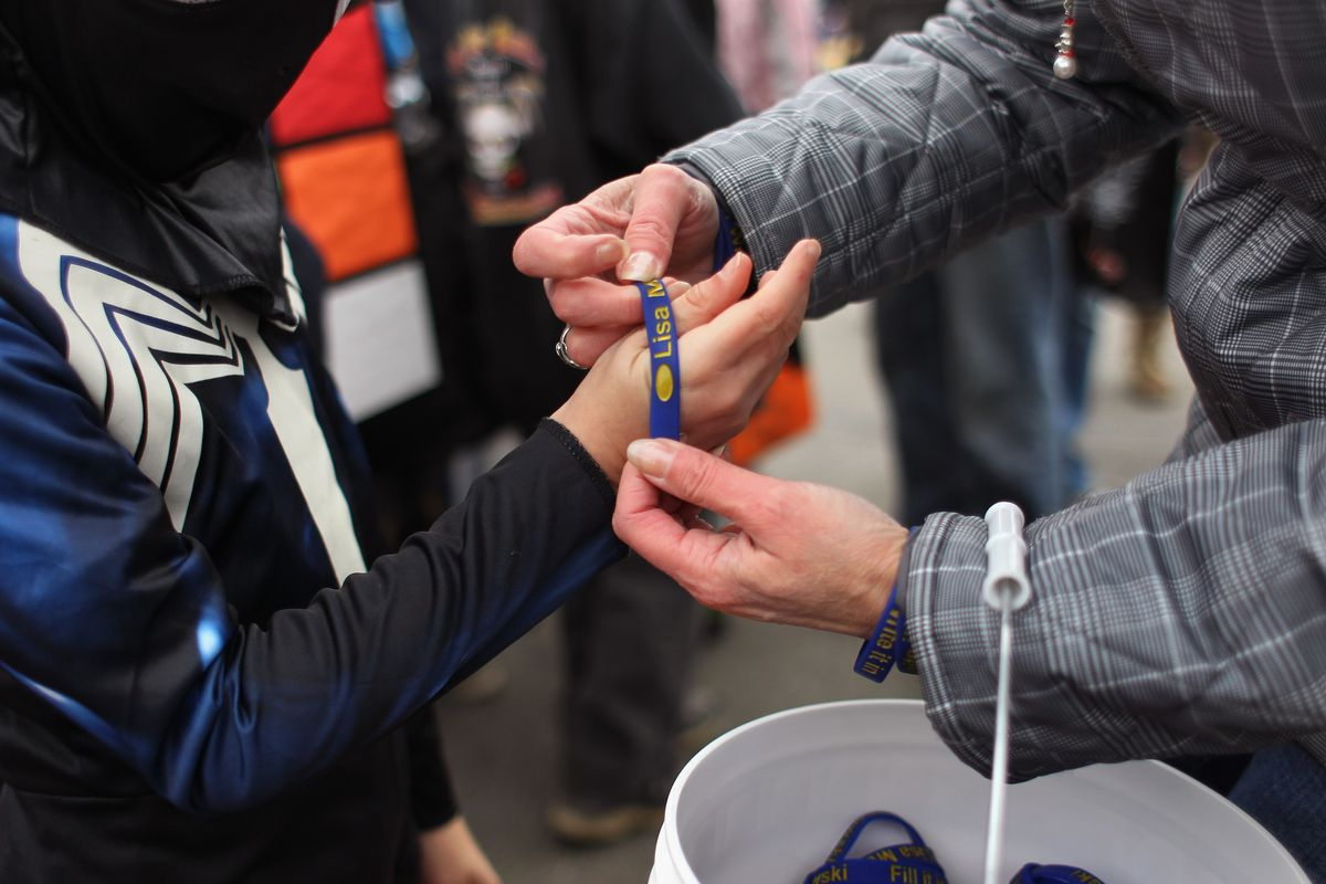 KENAI, AK - OCTOBER 31:  U.S. Sen. Lisa Murkowski (R-AK) (R), hands out campaign wrist bands at a Halloween event on October 31, 2010 in Kenai, Alaska. Murkowski is defending her Senate seat as a write-in candidate in a tight three-way race, after losing the Republican primary to Tea Party favorite Joe Miller in August. If Murkowski wins, it would be the first time a write-in candidate has won a Senate seat since Strom Thurmond in 1954.  (Photo by John Moore/Getty Images)