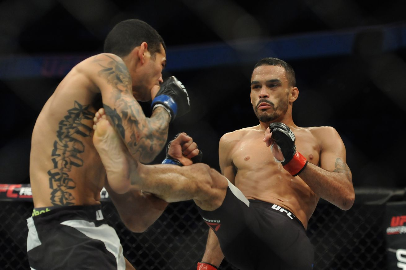 community news, UFC 213 results: Rob Font stalks, hurts and chokes Douglas Silva de Andrade into submission