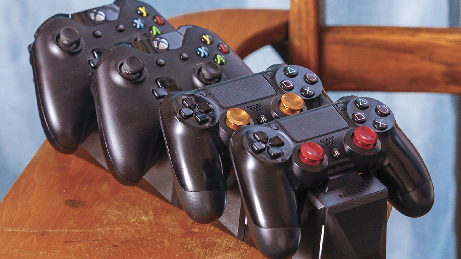 PlayStation and Xbox controllers, together in perfect