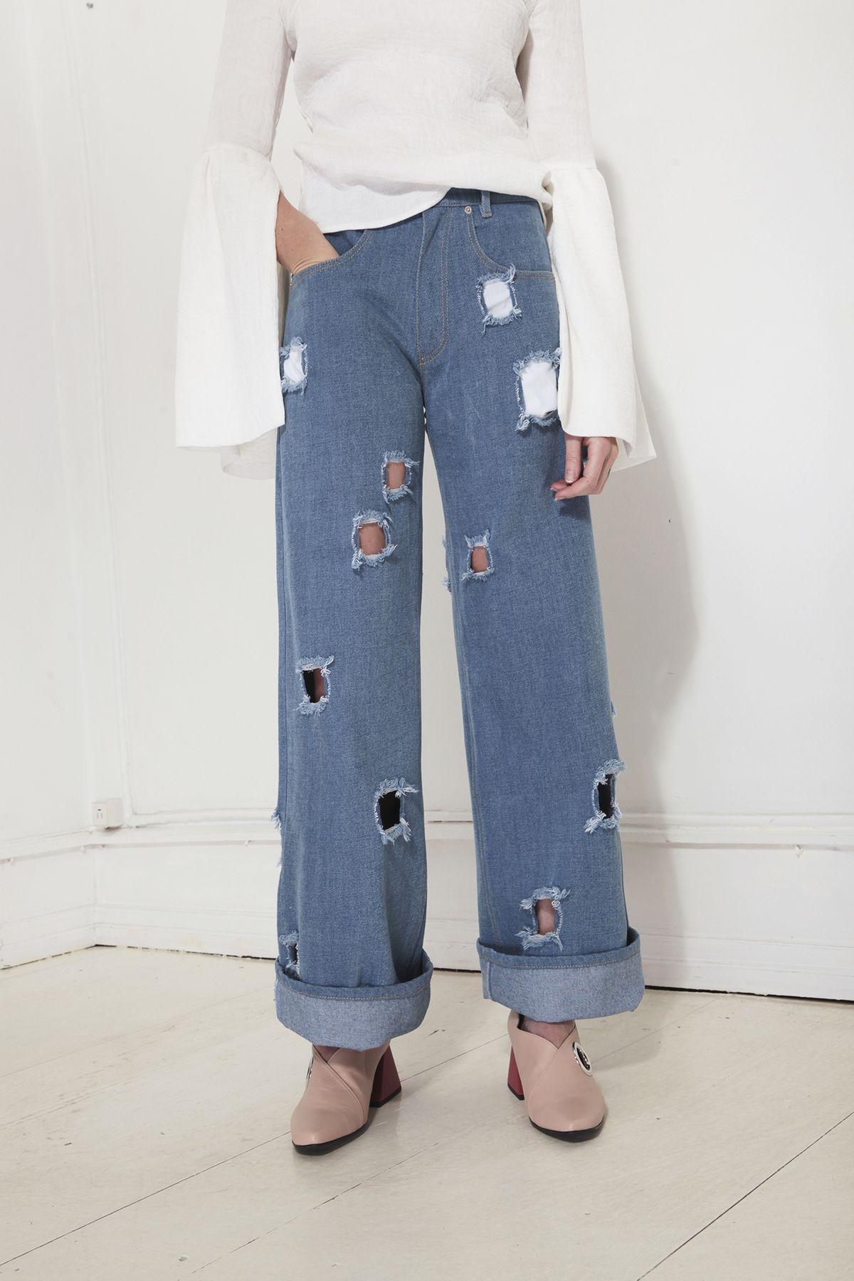 Rejina Pyo Jeans with holes in a pattern