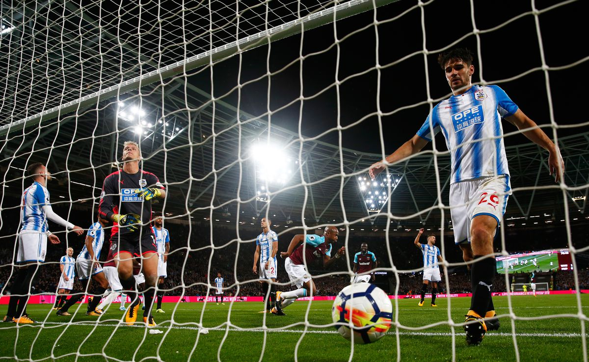 West Ham United v Huddersfield Town - Premier League